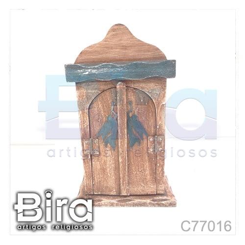 capela madeira detalhes porta